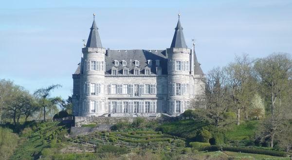 Château Royal de Ciergnon 600 x 330